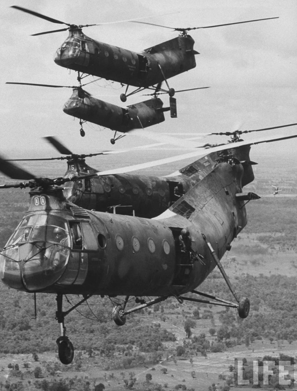 h21 helicopter with Vietnam War on Interesting furthermore Piasecki moreover Vietnam War also  moreover H21.