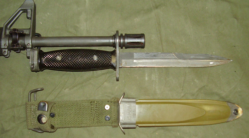 M16 With Bayonet M7 bayonet on M16 assault
